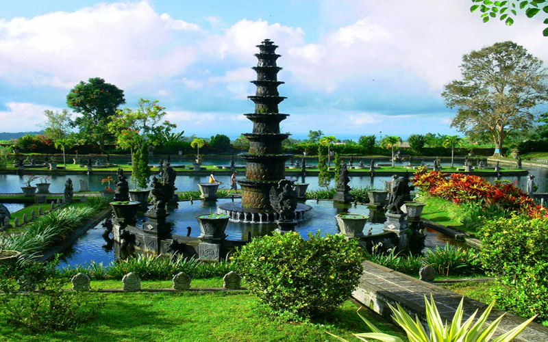 Tirta Gangga Royal Water Garden: Candidasa Tour Package East Of Bali